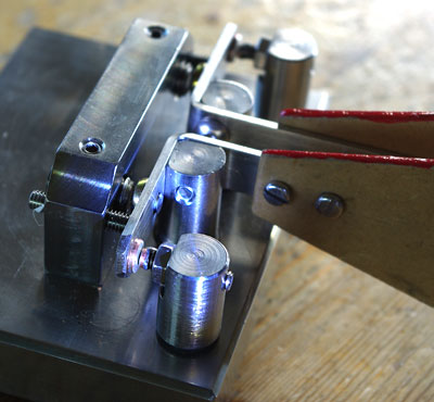 New contacts on double-lever paddle by ZL2GVA