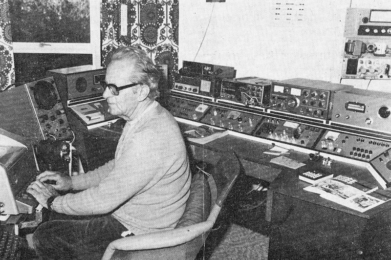 ZL1AP with his RTTY station on the cover of Break-In, August 1980